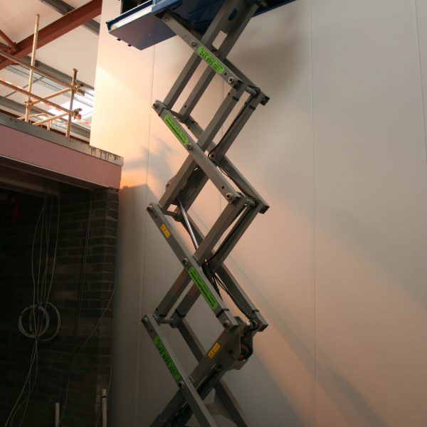 Genie 1932 - Battery Scissor Lift - Height Platforms - www.heightplatforms.ie