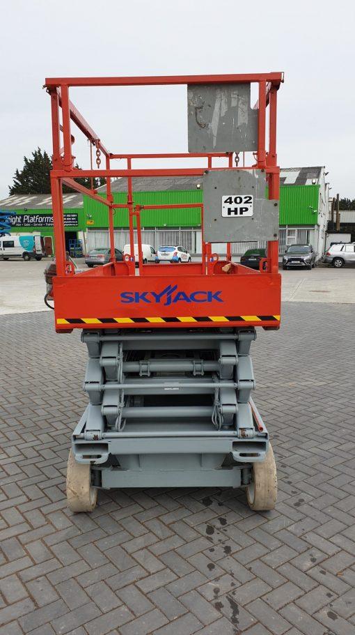 Skyjack 4632 front min 510x911 - Skyjack 4632