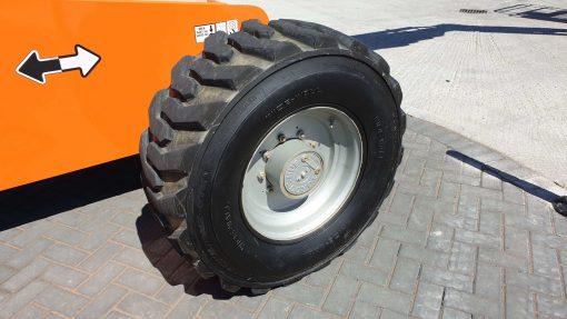 JLG 660SJ LR Wheel - JLG 660SJ for sale from Height Platforms - www.heightplatforms.ie