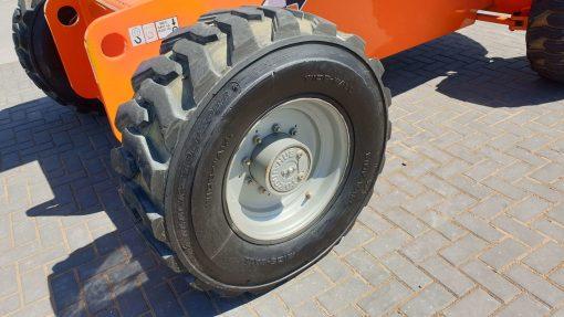 JLG 660SJ RR Wheel - JLG 660SJ for sale from Height Platforms - www.heightplatforms.ie